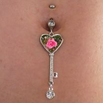 Piercing nombril photo forme coeur - OFF