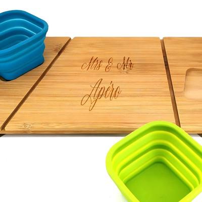 Planche en bois apéritif cadeau pendaison de crémaillère couple